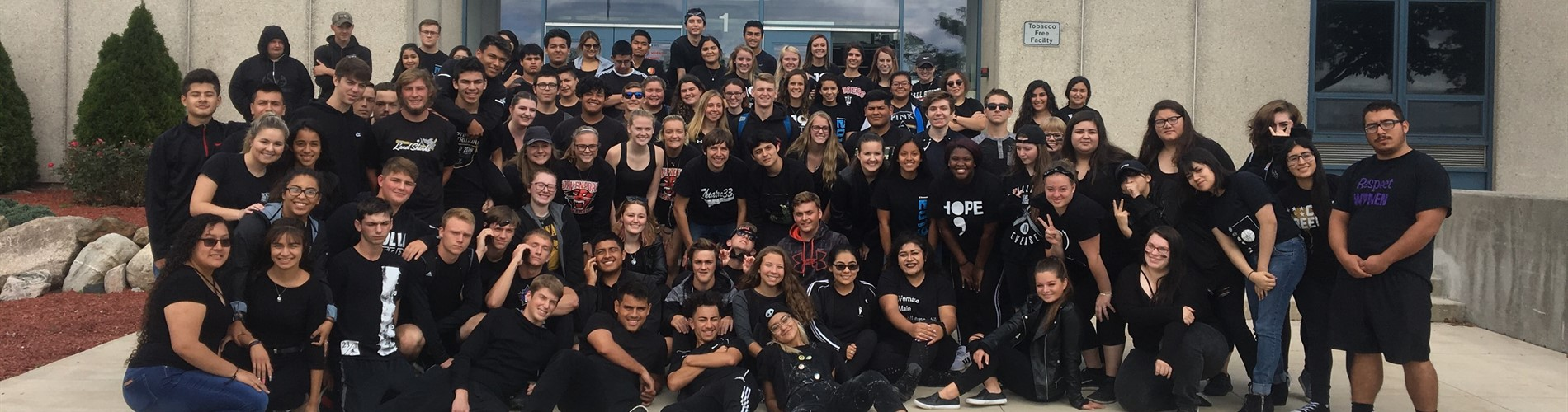Seniors dressed in black for color block day.