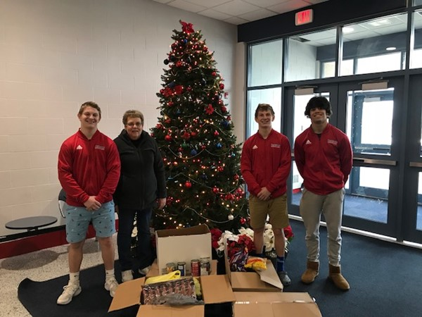 WN donates to WN Food Pantry